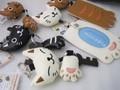 のあぷらす のびのび猫キーホルダーとパスケース