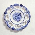 ポルトガル製 アルコバッサ 飾り皿 花柄 プレート ホワイト ハンドペイント 絵皿 26cm 壁掛け