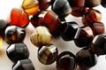 【天然石カットビーズ】ブラックサードオニキス 灯籠型 12mm【天然石 パワーストーン】