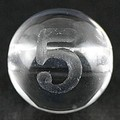【天然石彫刻ビーズ】水晶 8mm (素彫り) 数字「5」【天然石 パワーストーン】