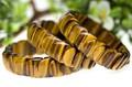 【天然石ブレスレット】タイガーアイ (3A) バングル 鱗(うろこ)型 (小)【天然石 パワーストーン】