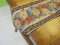薔薇柄のテーブルランナーとベースマット