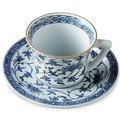 【ご返礼品やお祝品、ご自宅でも】 亮秀窯 染錦花唐草 コーヒー碗皿