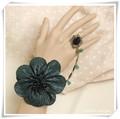 アンティーク風モスグリーンの花モチーフ リング&ブレス L0037