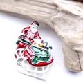 【クリスマス】サンタさんとソリのブローチ