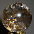 【30%OFF】【天然石 インテリア】天然レインボー水晶置玉φ60mm♪台座付き【天然石 レインボー水晶】