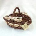 ポルトガル製 オーバルメッシュバスケット ハンドル付かご 花柄 リボン付き  籐かご風 陶器製カゴ