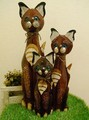 [エスニック・アジアン雑貨]木彫りのバリ人形(おすましネコ)3サイズ