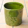 ポルトガル製 陶器 鉢カバー《底穴ナシ》 アンティーク風 花 レリーフ 光沢  抹茶 緑 直径18cm 5号鉢