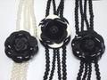 【20%オフ対象商品】ブラックローズコサージュ付きパール2連ネックレス・薔薇