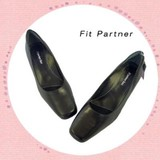 日常生活やオヒィスワークに最適なパートナーが出来ました。当社オリジナル皮革パンプスです。