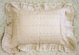 アイレットワークリボン入りピローケース(枕カバー) 羽根枕向けサイズ【ご進物にも好適品】