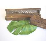 【木製インセンスボックス】スティック&コーン用。ウッディで存在感のある香立て