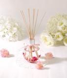 【ブルーミーフラワー ルームフレグランス】小さな小花が入った可愛らしいリードディフューザー