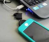 やばっ、アイフォンの充電が切れそう・・・。そんな時はコレ♪【iPhoneチャージャーキーチェーン】