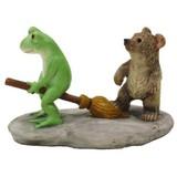 【Copeau】飛びたいカエルとほうきを踏むクマ