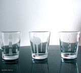 《ハニーライフ&モダンライフ グラス(フロスト)》手にフィットする小さなグラス♪【6柄展開】