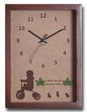 こどもたちとネコの仕草が可愛い北欧テイストのインテリアクロック(時計) Tricycle Boy/BR