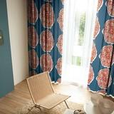 遮光カーテン【ダイリン】大輪の花を咲かせたダイナミックなデザインの遮光カーテン