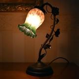 スズランのシェードが可愛い!|グリーンブッド1灯タッチランプ
