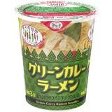 【エスニック料理】カップグリーンカレーラーメン