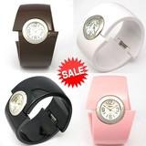 【在庫処分SALE】プラスチックの幅広バングルウォッチ レディース腕時計