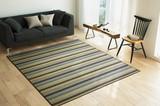 【ソリッドウィーブ】無地調のシンプルな織が家具と合わせやすい平織ラグです。