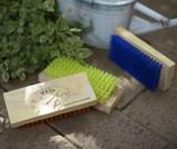 リサイクル木材のウォッシュブラシ