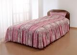 【直送可】【送料無料】やわらかフェザーフリル付きベッド布団(枕カバー付き)