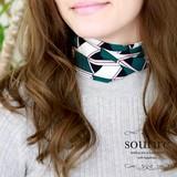 リボンタイ風幾何学模様スカーフ