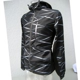【予約販売】(8月納品)メンズHEAD ヘッド ポケッタブルウインド幾何学柄プリント パーカー