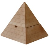 ピラミッドの灰皿【おもしろ雑貨】【日本製】