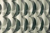 【オボロ】インパクトのあるパターンをバランスよくデザインした遮光カーテン。