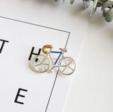 ★2016冬新作★ シンプルな自転車柄のブローチ 銀色の金糸