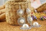 帽子のイヤリング 三層真珠 宝石