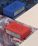 <LEXON>ひっくり返してアラームをOFF!ユニークな置時計 LEXON アラームクロックFLIP