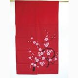 <和雑貨・和土産>綿素材 藍染風のれん 梅 赤/レッド/ピンク (商品コード:303-243)