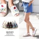 2017 S/S Flower Embroidery Sandal Flat Form Shoes Floral Pattern