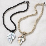 Bali Shell Necklace Leaf 2 Colors