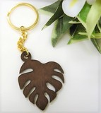Hawaii Aroma Wood Grain Monstera Key Ring