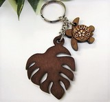 Hawaii Aroma Wood Grain Monstera Key Ring
