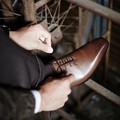 < London shoe make Oxford and Derby> 【牛革】マッケイ製法 メンズ ホールカットwithメダリオン 1005