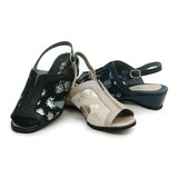 Madame Outing Perfect Floral Pattern Sandal