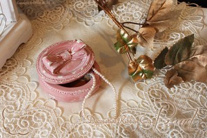 Decorative Ribbon Case Round