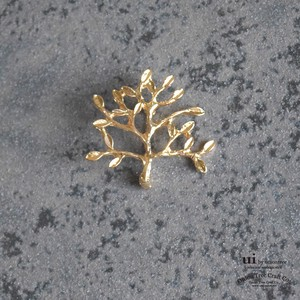 Brooch Stole Tree