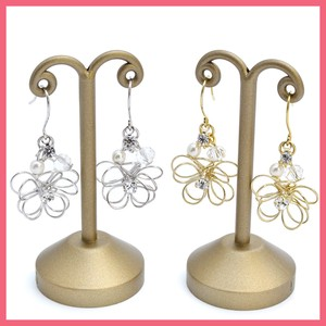Gift Show Rhinestone Attached Wire Flower Pierced Earring