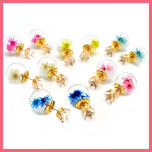 Dry Flower Glass Dome Catch Glitter Pierced Earring