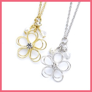 Gift Show Rhinestone Attached Wire Flower Necklace