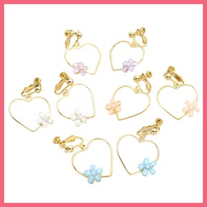 Acrylic Flower Frame Heart Earring