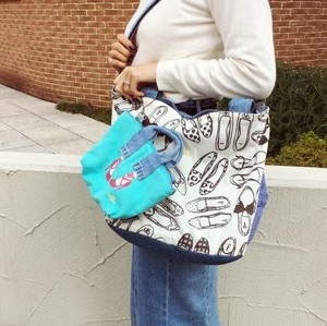 Pouch Attached Repeating Pattern Tote